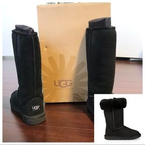 🆕Girl's Ugg Classic Tall II Boots Size 2